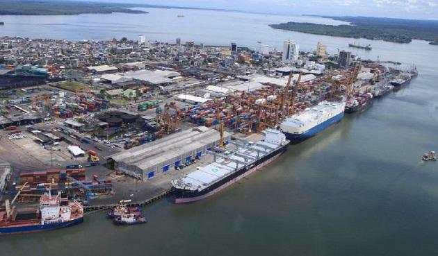 Los puertos en Panamá han hecho que la actividad logística sea de mucha importancia, convirtiéndose en una de las principales industrias que mueve la economía panameña.
