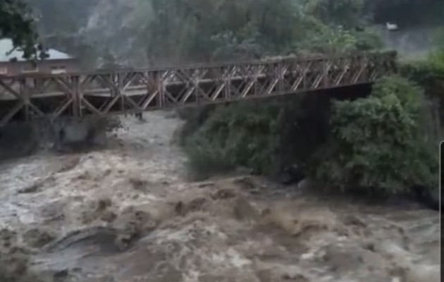El aumento en los caudales de los ríos casó mucho temor entre los residentes.