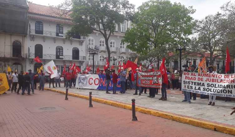 Miembros del Conato se manifestaron cerca de la Presidencia, el pasado miércoles. Foto de cortesía
