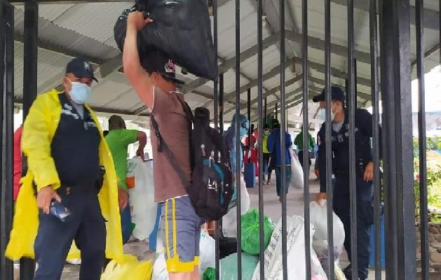 Como medida de seguridad varias comunidades han sido evacuadas por la Fuerza de Tarea Conjunta. Foto: Mayra Madrid
