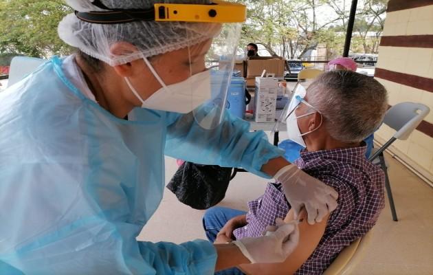 A partir del 21 de abril se vacunará en los circuitos 8-4 y 8-7. Foto: Cortesía Minsa.