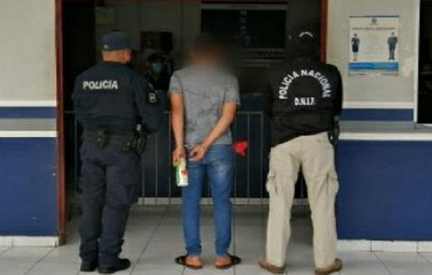 En el corregimiento de Pedregal un ciudadano en actitud sospechosa fue detenido por los Linces de la Policía Nacional. Foto. josé Vásquez