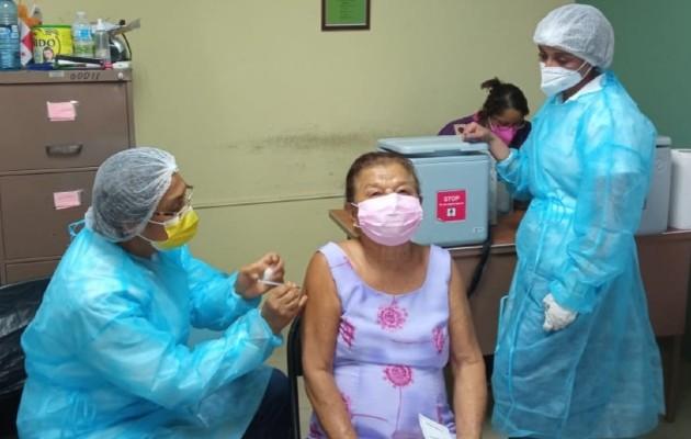 Los interesados deben entrar a: https//vacunas.panamasolidario.gob.pa/vacunas menú/ Foto: Cortesía: Minsa.