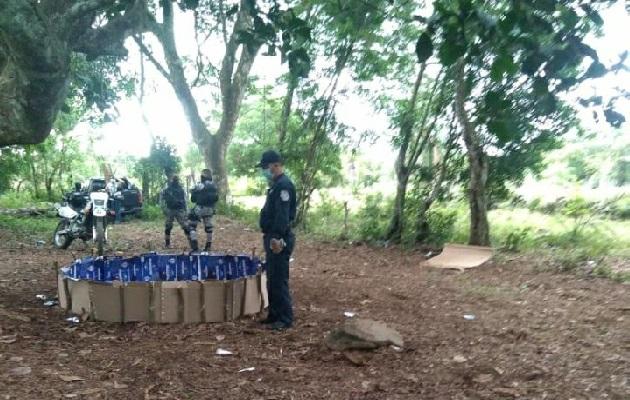 En el sector de Dolega, la Policía Nacional detuvo a cuatro personas y decomisó siete gallos. Foto: Mayra Madrid