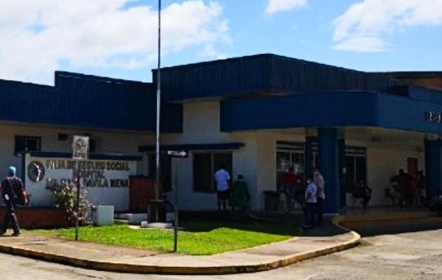 La víctima fue llevada al cuarto de urgencias del hospital Raúl Dávila Mena de Changuinola, donde llegó sin signos vitales. Foto: Mayra Madrid
