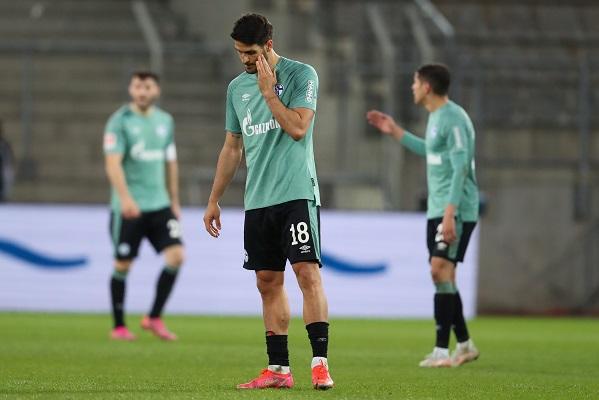 El Schalke 04 selló su descenso tras 30 años de estar en la primera categoría del fútbol alemán. Foto: Twitter