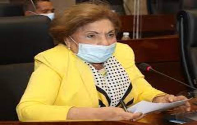 La Diputada Mayín Correa presentó ante la Asamblea Nacional este proyecto de ley que crea un programa que beneficiará a los adultos mayores panameños. Foto: Archivo.
