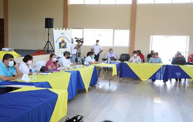 Docentes se reunieron con el Meduca para conversar sobre el retorno a las escuelas. Foto: Cortesía @DefensoriaPan