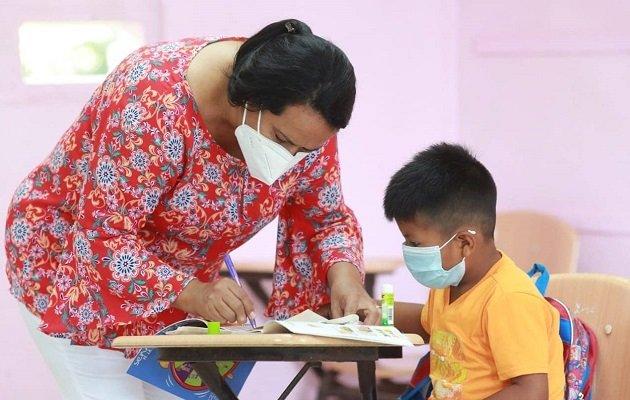 El próximo 31 de mayo deben iniciar las clases semipresencialesen unos 100 colegios. Foto: Archivo.