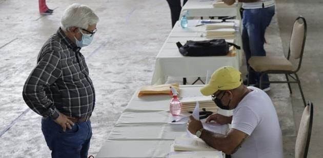El Presidente de la Comisión Liquidadora, Reynaldo Medina, informó que en esta ocasión se devolverán $800 mil. Foto: Cortesía