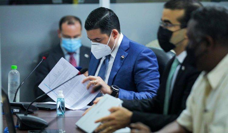 El vicepresidente José Gabriel Carrizo, fue a la Comisión de Presupuesto a rendir informe. Cortesía.