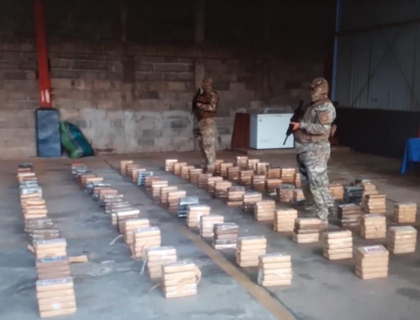 Fueron decomisados 707 paquetes de presunta droga. Foto: Melquiades Vásquez