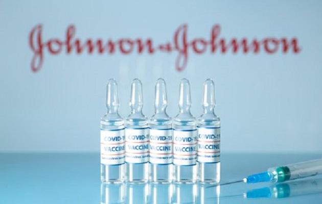 La vacuna de Johnson & Johnson estuvo en pausa por asociación a algunos eventos trombóticos. Foto: EFE
