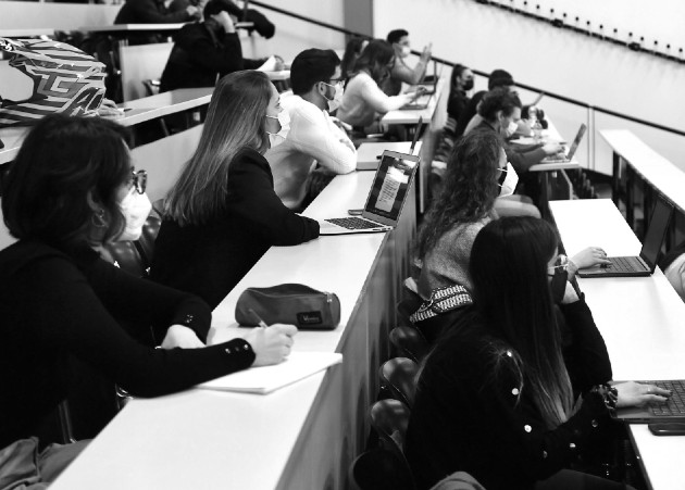 Las competencias actitudinales son extremadamente útiles para nuestro desempeño profesional y sin las cuales muchos de nuestros conocimientos no podrían ser aprovechados. Foto: EFE.