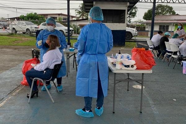 A la fecha se aplicaron 9,134 pruebas nuevas de contagio, para un porcentaje de positividad de 3.9%. Foto: Cortesía Minsa