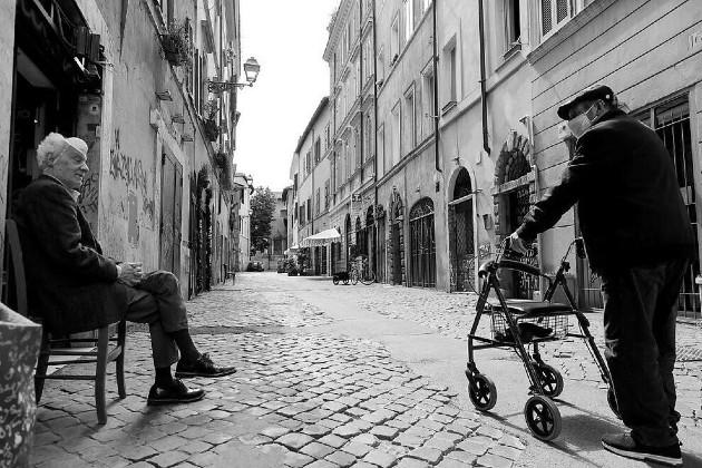 Siendo temporada baja, tomamos una suite en un hotel muy acogedor, fundado en 1600, en el barrio romano de Trastevere, cuyo precio es menor al de una habitación regular durante el tumulto veraniego. Foto: EFE.