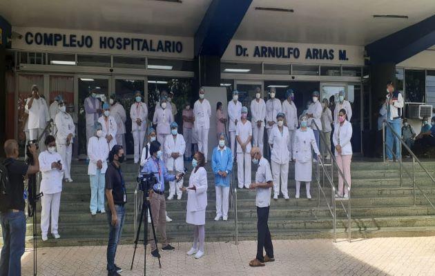 Las enfermeras en asamblea general decidieron extender el paro de labores. Foto: Víctor Arosemena