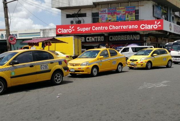 Con el levantamiento de la medida de par y non todos los taxis podrán circular las 24 horas, de lunes a domingo, informó la ATTT.