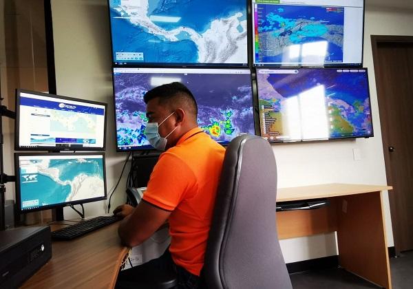 El Sinaproc se mantienen en vigilancia tras el evento sísmico registrado hoy en Panamá, en horas de la madrugada. Foto: Cortesía Sinaproc