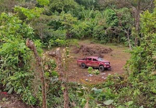 Vista general de la escena del vuelco en Loma Horcón, ubicada en la comunidad de El Suay, Veraguas.