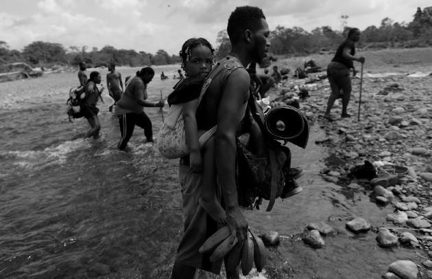 Panamá, a diferencia de otras naciones, ha asumido un compromiso humanitario con los migrantes que llegan a su territorio. Foto: EFE.