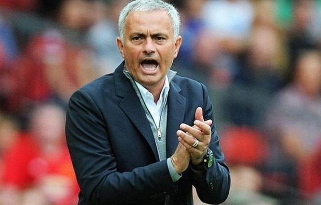 José Mourinho, de 58 años, tomará el mando del Roma tras ser destituido en marzo como técnico del Tottenham Hotspur. Foto: EFE