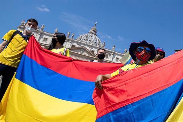 Los colombianos salieron este sábado de nuevo a la calle.