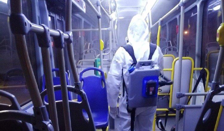 MiBus compró 15 máquinas nebulizadoras para realizar la labor de desinfección de los metrobuses. Foto: Cortesía MiBus