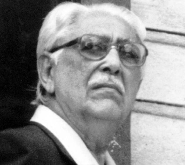 Rodrigo Miró Grimaldo, fue un historiador, investigador, ensayista, poeta, profesor y crítico literario panameño.  Foto: Tomada del blog:  http://elqueleesedacuenta.blogspot.com/