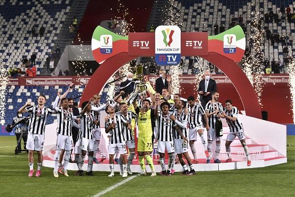 Con este triunfo la Juventus conquistó su decimocuarta Copa Italia. Foto: EFE