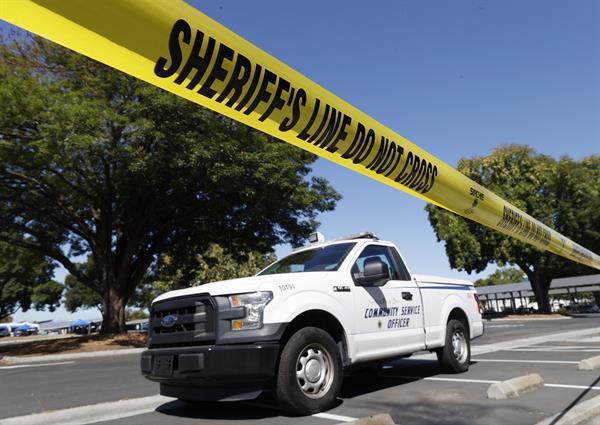 La policía recibió la primera llamada de aviso del tiroteo a las 06:34 de la mañana. EFE