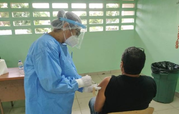 En La Chorrera se espera vacunar a más de 25 mil personas con la segunda dosis de Pfizer. Foto: Eric Montenegro