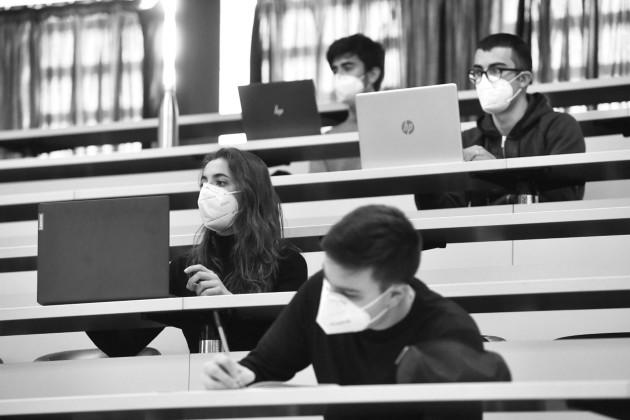 La educación dirigida a la ciudadanía tendrá como fin, el concienciar y promover tales valores a través de programas educativos concretos y de modo transversal en toda su programación curricular. Foto: EFE.
