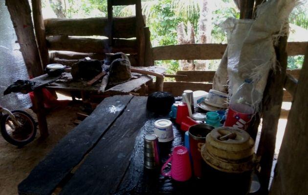 Improvisaron una cocina de penca y un fogón. Foto: Cortesía Cristian Contigo