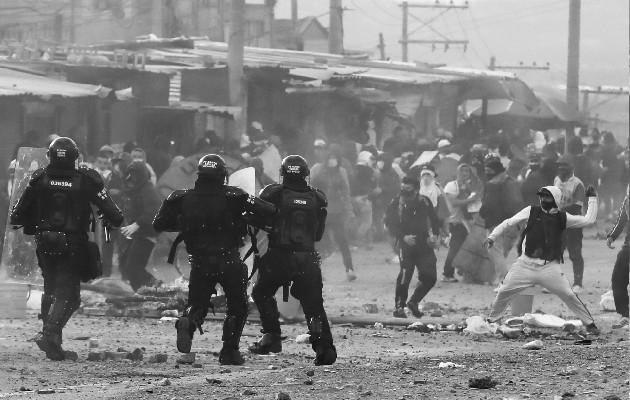 Tanto dolor y lágrimas, tanto sufrimiento en mayorías explotadas y marginadas. Una tensión continua social y revueltas y revoluciones y sangre derramada sin cambios sustanciales. Foto: EFE.