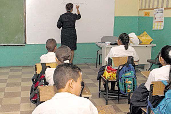 Desde el 31 de mayo 78 escuelas públicas están dando clases semipresenciales en Panamá. Foto: Archivo