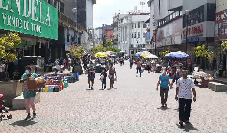 Hasta septiembre, había 777 mil personas en el setor informal de la economía, lo que representa 52% de la población ocupada. Foto: Archivo