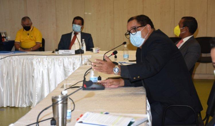 Guillermo Lawson, del PRD, destacó que el documento permitirá arrancar la mesa. Foto; Cortesía CSS
