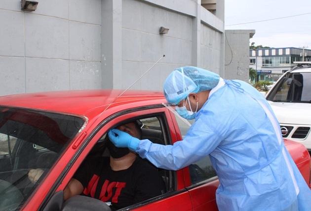 Personal de salud aplicó 11,591 pruebas nuevas de contagio de covid-19 en las últimas 24 horas. Foto: Cortesía Minsa