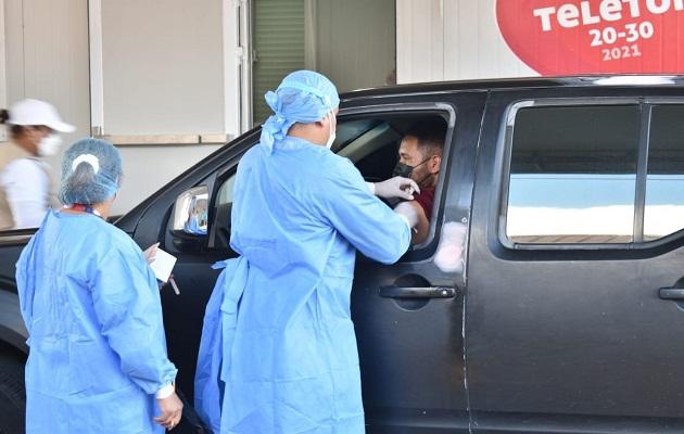 El auto rápido del estadio Rommel Fernández Gutiérrez es el más demandado para recibir la vacuna de AstraZeneca. Foto: Cortesía Minsa