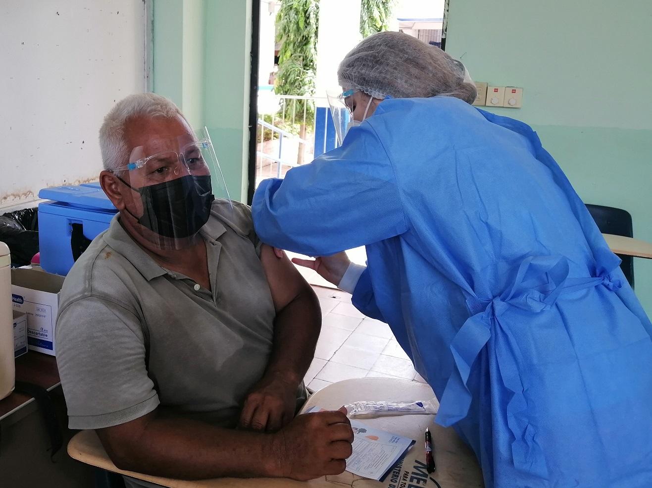 El centro de vacunación está ubicado en el circuito 6-1. Foto: Thays Domínguez