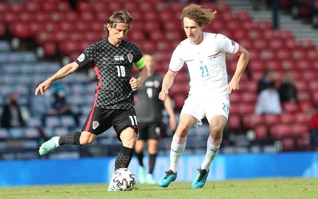 Croacia pretende alcanzar los octavos de final en su último partido contra Escocia. Foto: EFE