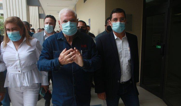 Ricardo Martinelli acusó al vicepresidente José Gabriel Carrizo y a la magistrada María Eugenia López por los abusos en su contra.
