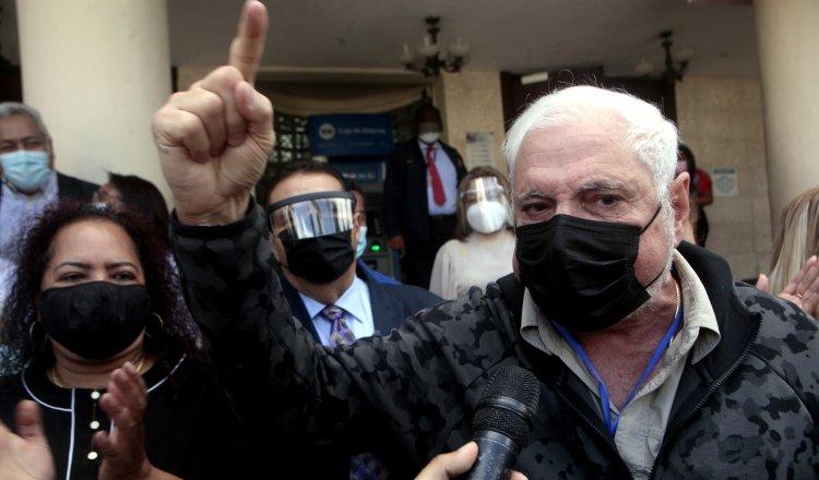 El expresidente Ricardo Martinelli en reiteradas ocasiones ha manifestado ser víctima de una persecución política. Víctor Arosemena.