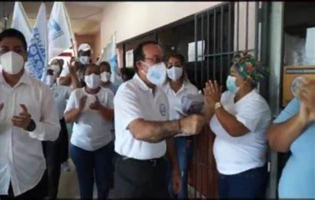 El rector de la Universidad de Panamá, Eduardo Flores en el pasado cuestionó la reelección. Foto: Cortesía Universidad de Panamá