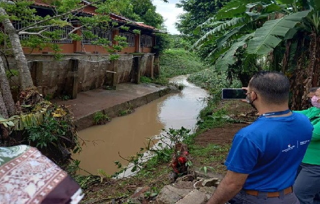 Según las autoridades de MiAmbiente, la mayoría de las inundaciones registradas son originadas por la acción humana, lo que implica un cambio de conducta de la población hacia mejores prácticas ambientales. Foto: Eric Montenegro
