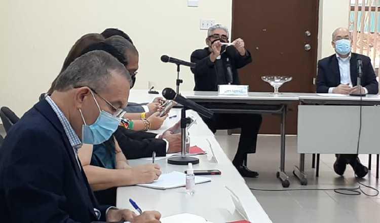 La mañana de ayer se realizó el sorteo para las entrevistas de los aspirantes a magistrados de la Corte Suprema de Justicia. Víctor Arosemena.