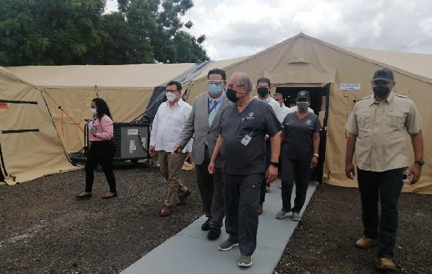 Debido al aumento de casos de covid-19 en Herrera las autoridades se preparan con la instalación de un hospital campaña. Foto: Thays Domínguez