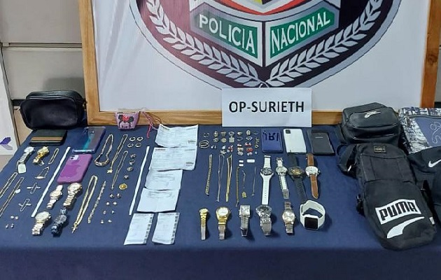 Las autoridades señalan que en las próximas horas se ordenará la detención de la segunda persona vinculada a este robo a mano armada para ser presentada ante un juez de garantía. Foto: José Vásquez