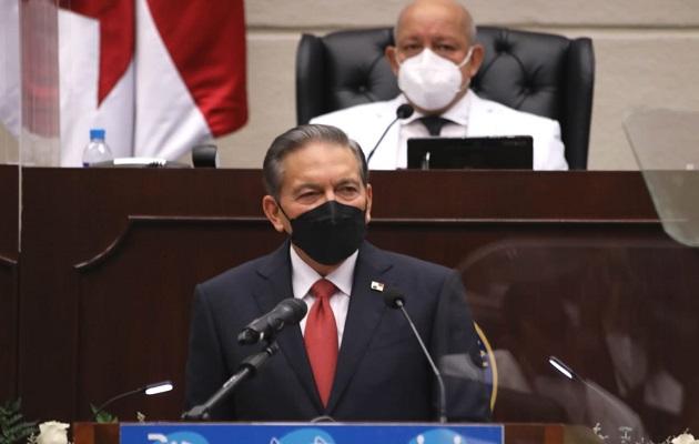 Laurentino Cortizo recordó que Panamá ha comprado 9 millones de dosis de la vacuna contra la covid-19. Foto: Cortesía Asamblea Nacional